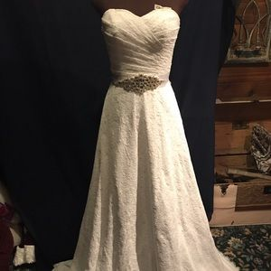 Dresses & Skirts - Brand New White Lace Wedding Gown